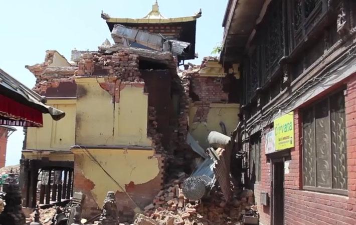 गत शनिबार गएको भूकम्पमा परी ज्यान गुमाउनेको संख्या सात हजार ५६ पुगेको